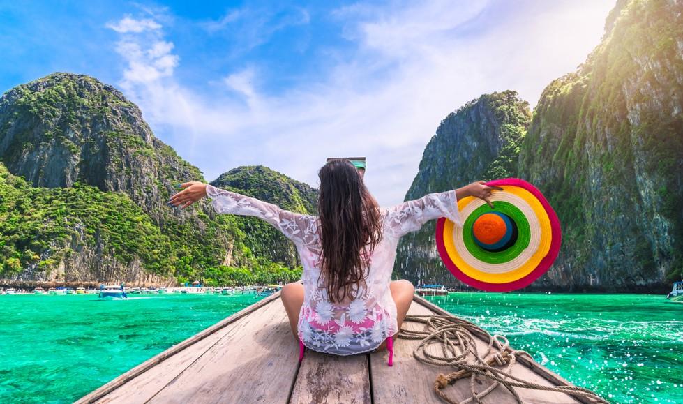 Urlaub mit Nazar Holidays: Die Blauen Reisen führte Nazar beispielsweise mit einem verträumten Motorsegler durch. Bei gleißendem Sonnenschein auf dem Sonnendeck liegen und gemächlich entlang der Türkischen Riviera schippern - derlei Momente waren ein Markenzeichen. (#1)