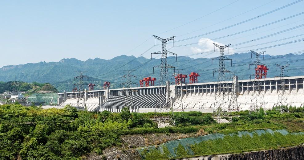 Einer der Yanksee-Source-Codes: die Drei-Schluchten-Talsperre - eine Stauanlage mit einem Wasserkraftwerk, einer Doppel-Schleusenanlage und einem Schiffshebewerk. (#1)