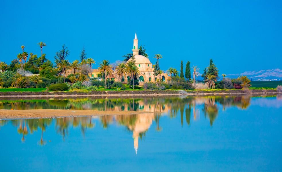 """Die Moschee """"Hala Sultan Tekkes"""" in Larnaka auf Zypern zählt ebenfals zu den bedeutenden islamischen Heiligtümer n(#4)"""