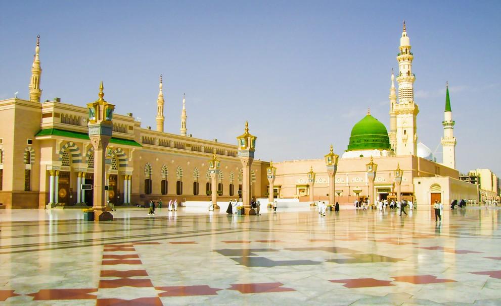 Die Nummer 2 der Islamischen Heiligtümer ist die Stadt Medina in Saudi-Arabien. Hier sieht man die Moschee des Propheten. (#2)