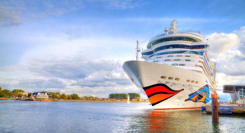 Wer die Checkliste befolgt und alle wichtigen Dinge eingepackt hat, kann einen entspannten Urlaub an Bord genießen.